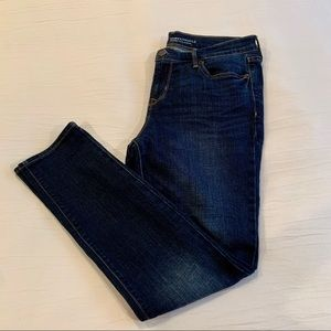 Old Navy Mid Rise Curvy Straight Legged Jeans